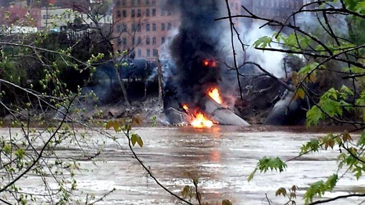 BombTrains_2014-04-30_LynchburgVirginia